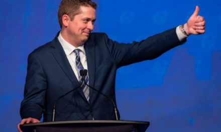 选我选我!自由党的魁北克省支持率下降,保守党趁机向该省选民示好