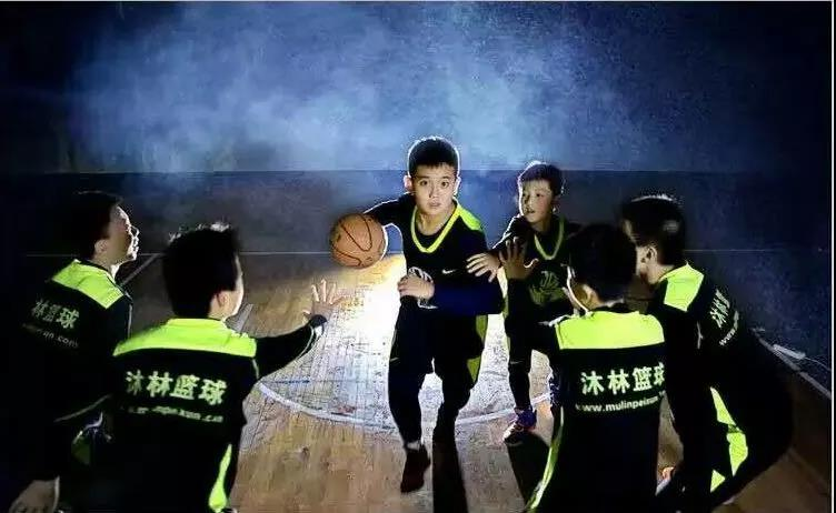 马振迪:一个怀揣篮球梦想的追风少年