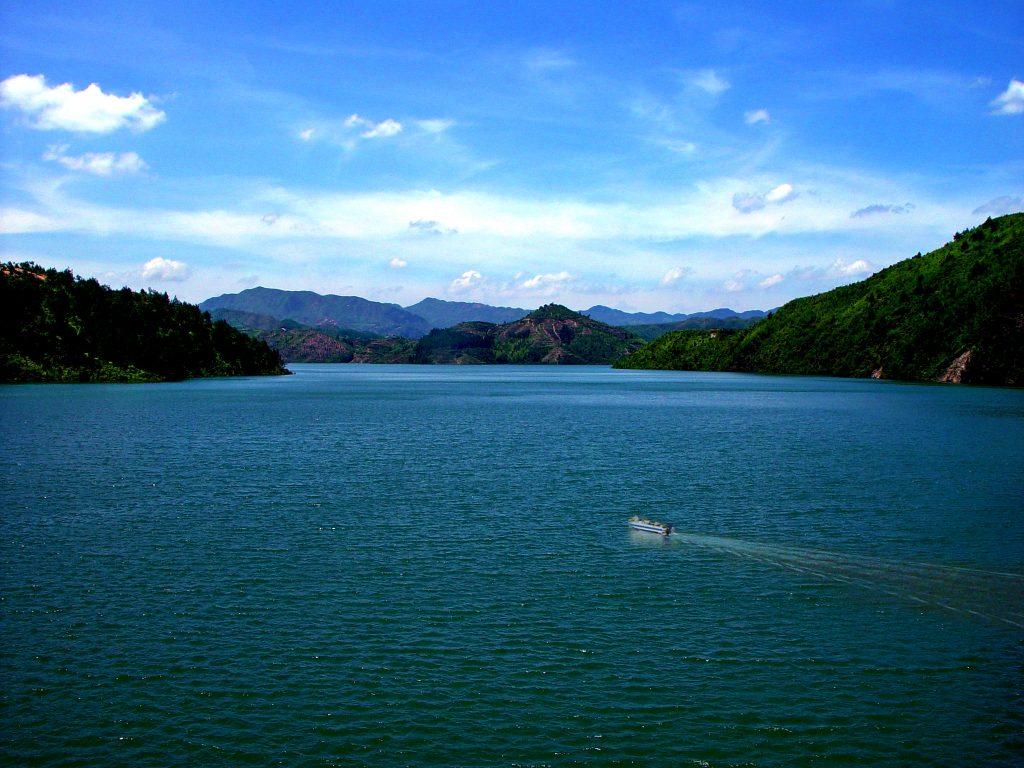 《芹山湖风光》——郑国平 摄