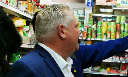 安省省长福特在中国城支持华人超市和餐饮业