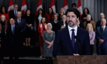 """突发 加拿大总理夫人""""中弹""""COVID-19 ,疫情告急 华人社区联合其他族裔联合抗疫"""