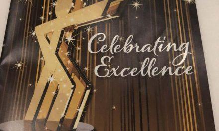 启发教育中心荣获加拿大特许经营协会优秀连锁品牌银奖和最佳加盟品牌奖项两大奖项Inspiration Learning Centre Takes Home Silver Honours in the 2018 CFA Awards of Excellence and 2018 Choice Franchisees' Award at the CFA Awards Gala.