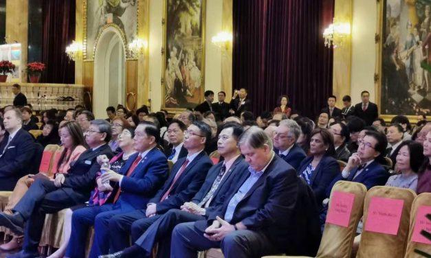 中华人民共和国驻多伦多总领馆成功举办庆祝澳门回归20周年招待会