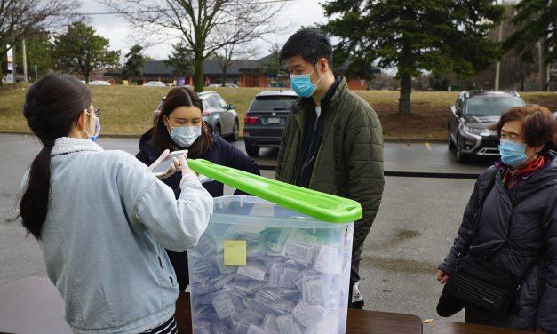 真情奉献一捐送价值万元加币的千副抗疫预防中药,安大略中医学院助力华人社区抗疫情!